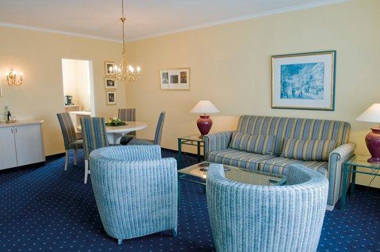 Upstalsboom Parkhotel: Suite Wohnbereich