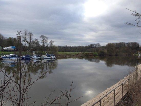 The Lenchford Inn: River Severn from the Car Park