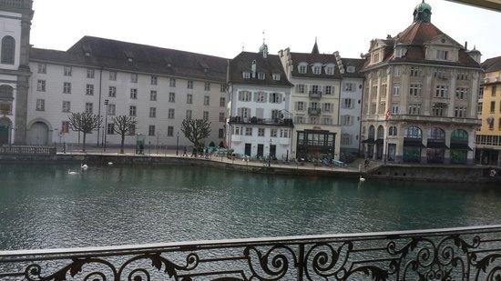 Hotel des Balances: Вид из окна.