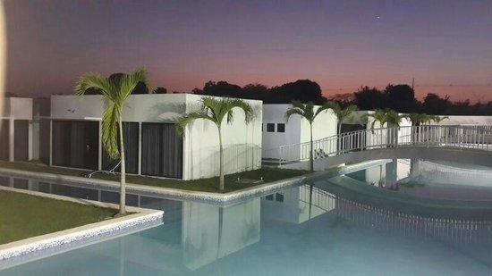 Calisia Hotels & Resorts: pìscina