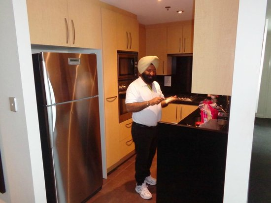 Meriton Serviced Apartments World Tower: Breakfast time