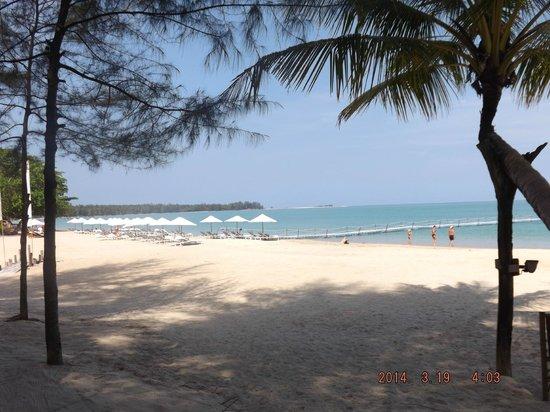 Khaolak Laguna Resort: White Sand Beach