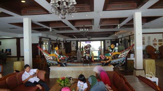 Damai Beach Resort : Лобби отеля