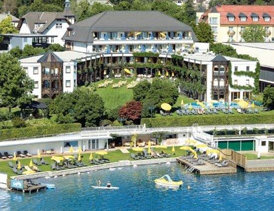 Golf- und Seehotel Engstler: Hotel direkt am See