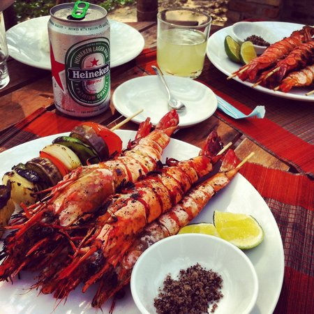 Coco Palm Beach Resort & Spa: King prawns BBQ