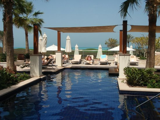 The St. Regis Saadiyat Island Resort : Adult only pool