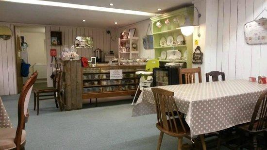 Blighty Bazaar: tea room