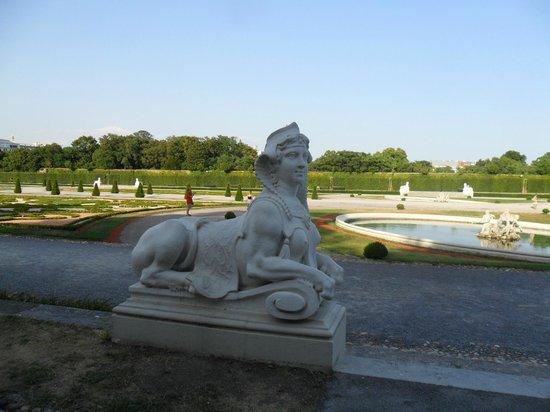 Schloss Belvedere: статуя 3