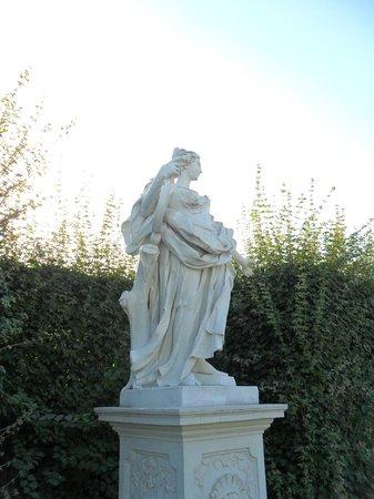 Schloss Belvedere: статуя 2