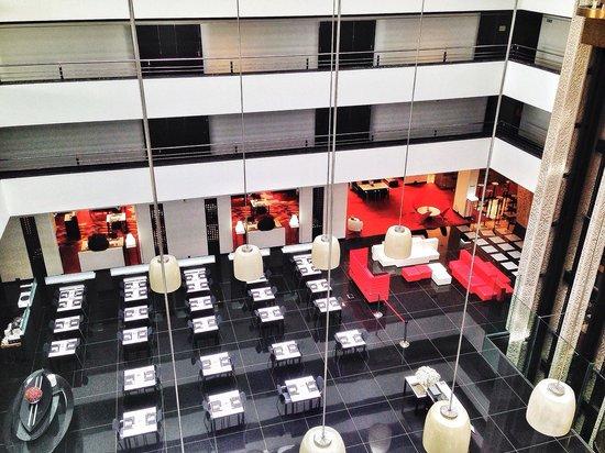 Hilton Madrid Airport : Restaurant/Lobby