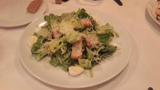 Gianni's Trattoria: Caesar's salad