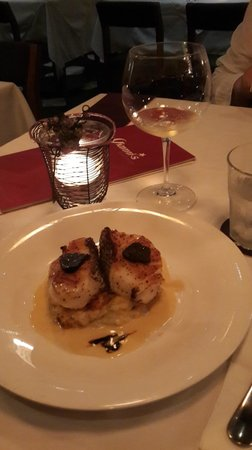 Gianni's Trattoria: Cod with pumpkin mash and black truffle