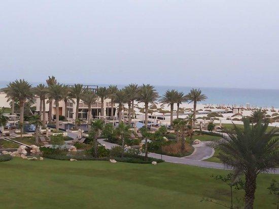 Park Hyatt Abu Dhabi Hotel & Villas : Thats a view!!