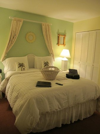 Marco Island Lakeside Inn: Room 206 (2)