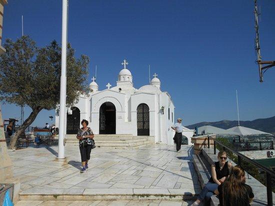 Mount Lycabettus : Die kleine Sankt-Georgs-Kapelle auf dem Berggipfel
