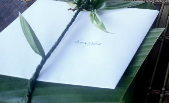 Pacific Treelodge Resort : Beautiful leaf-wrapped Christmas gift