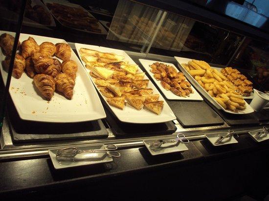 Meliá Marbella Banus: Frühstücksbuffet