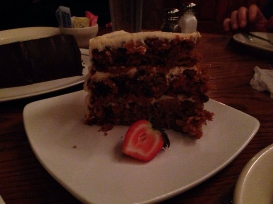 Saltgrass Steak House: To die for carrot cake!!