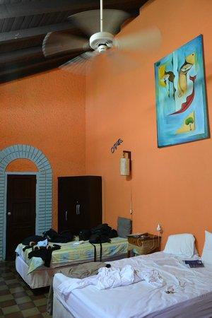Hostal El Momento: chambre n°1