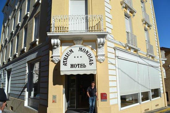 Atrium Mondial: Vu sur l'hotel