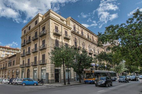 아르테미시아 팰리스 호텔