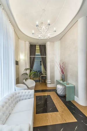 Artemisia Palace Hotel: Hall
