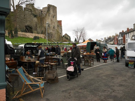 ‪Hay On Wye Thursday Market‬