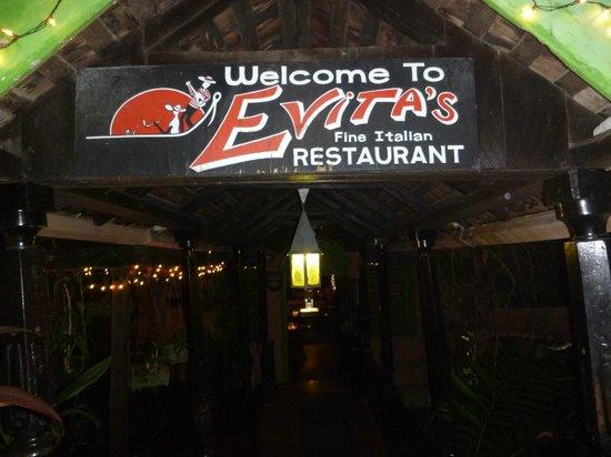 Evita's Italian Restaurant: Entrance