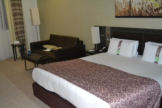 Holiday Inn London - Commercial Road: Room