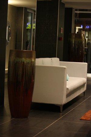 Smart Hotel Milano Centrale: Холл
