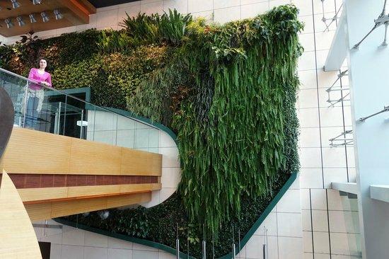 Hotel ICON: Висячие сады в холле