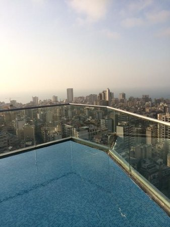 Staybridge Suites Beirut : View from the pool