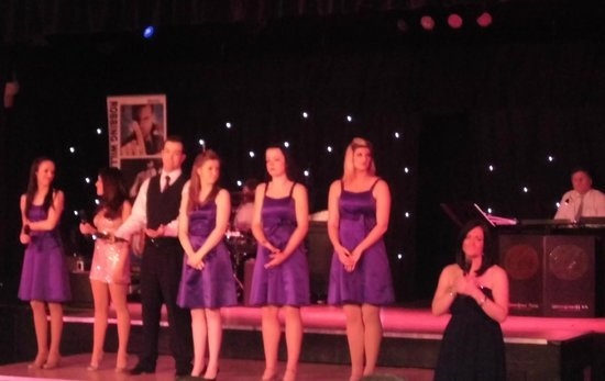 Warner Leisure Hotels Gunton Hall Coastal Village: Entertainment team