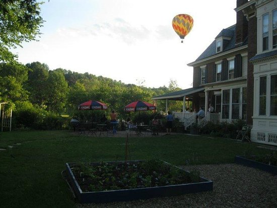 Photo of Parker House Inn and Restaurant Quechee