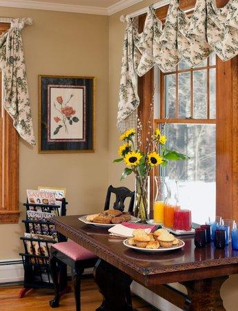 Journey Inn Bed & Breakfast : Enjoy fresh baked goods