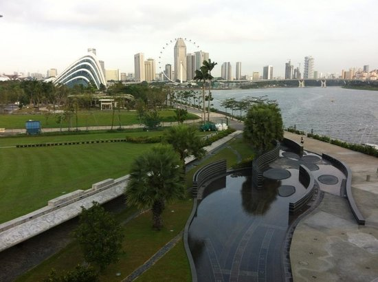 Marina Barrage: City in a Garden.
