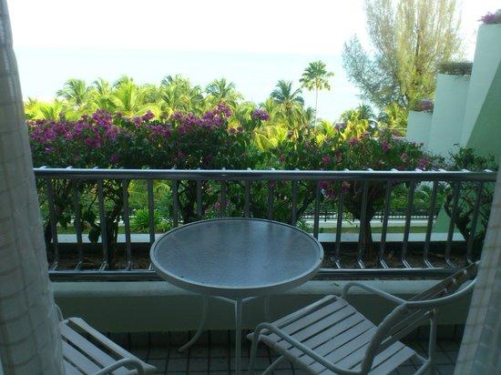 PARKROYAL Penang Resort, Malaysia : balcony facing the sea