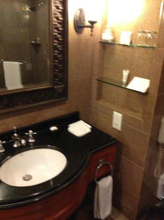 Hyatt Regency Kathmandu: Bathroom