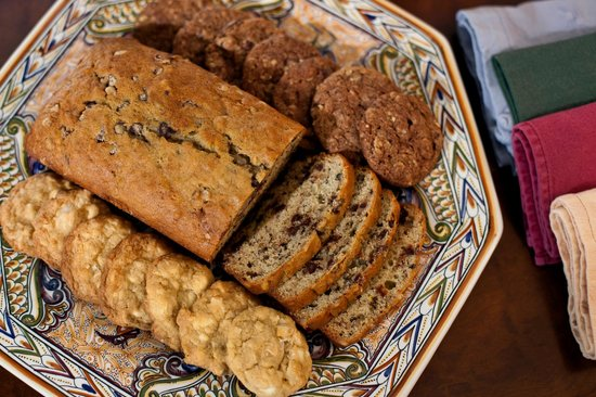 Journey Inn Bed & Breakfast : Fresh baked breads and cookies