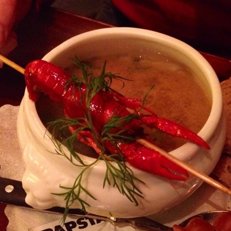 Herings im Martinswinkel : Fish soup with river lobster