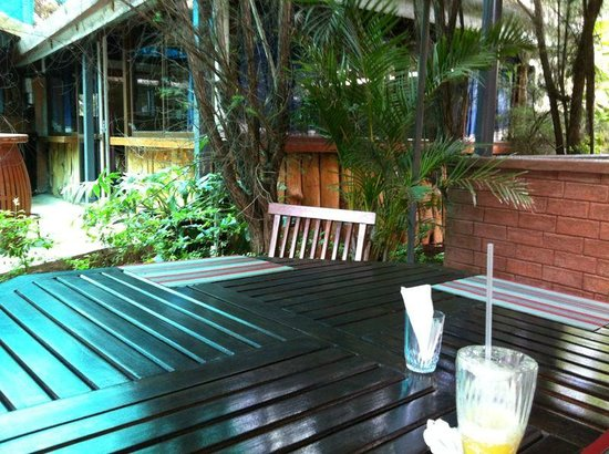 Bonds Garden Restaurant