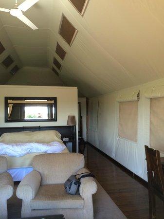 Gorah Elephant Camp: intérieur de la tente