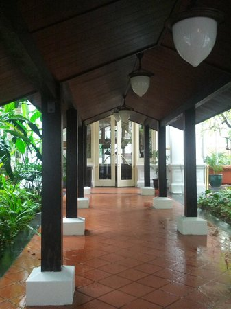 The Halia at Raffles Hotel : Hotel grounds and buildings