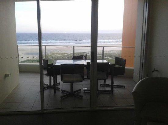 Kirra Surf Apartments : Balcony
