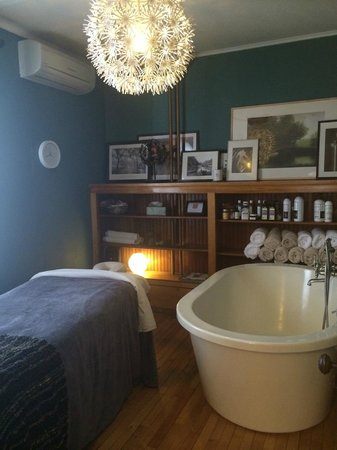 Ely, MN: Massage & Soaking Room