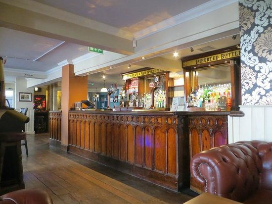The bar picture of the guinea butt royal tunbridge wells the guinea butt the bar publicscrutiny Image collections