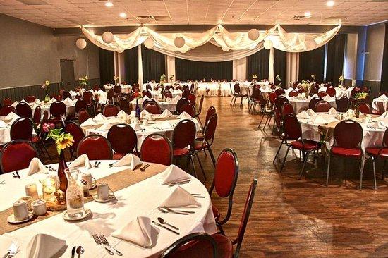 Metropolis Resort : Metropolis Banquet Room Wedding Reception