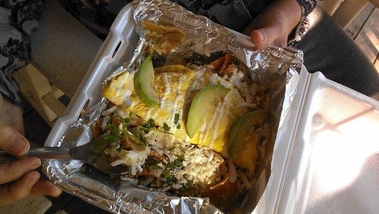 Eduardo's Taco Stand: Breakfast chilaquiles