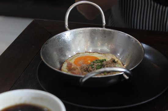 Rest Note Cafe: The Pan Eggs. Lovely.