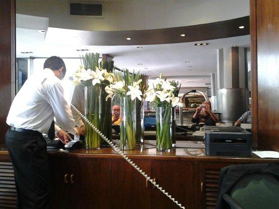 Garden Park Hotel: Recepcion